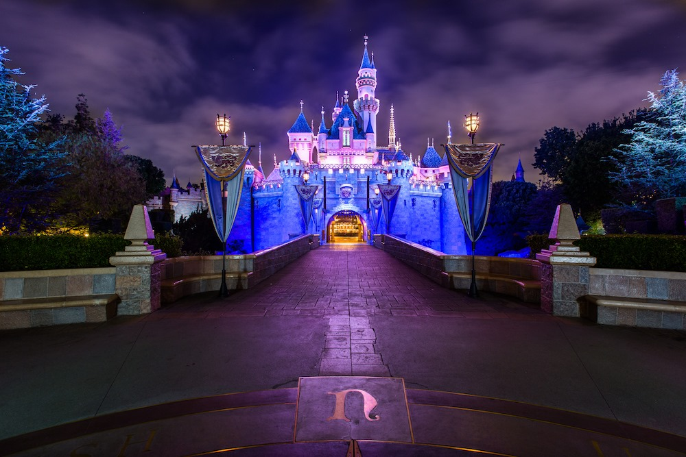 Disney closes temporally  While there have been no reported cases of COVID-19 at…